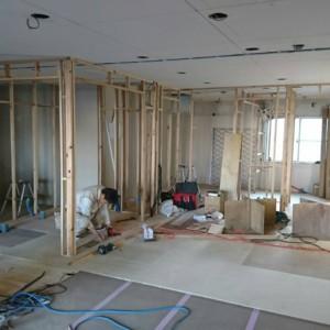 託児所壁造作と西新マンションリフォーム エコカラット