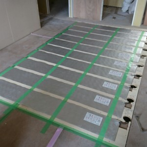 託児所床暖房 サイディング貼り