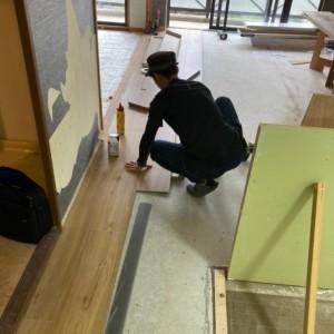 ドイツ床材 parador清川全面改装続き